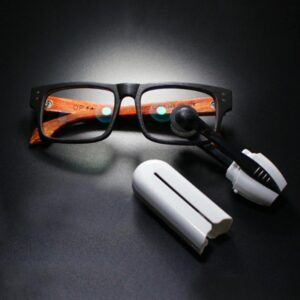 High-Tech Carbon Eyeglass Cleaner