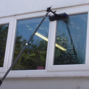 Window Cleaner With Water Fed Pole